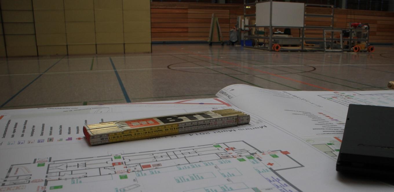 Aufbau #01: Plan und Stände | Foto: Tobias Kemmerer